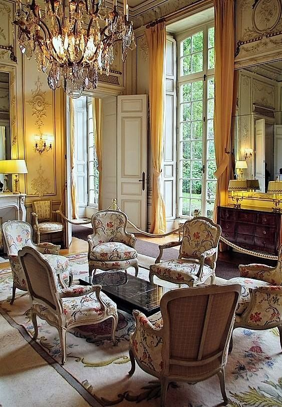 Traditional Victorian Colonial Living Room By Timothy Corrigan With Images: Louis XV, French Salon. #shabbychichomesexterior