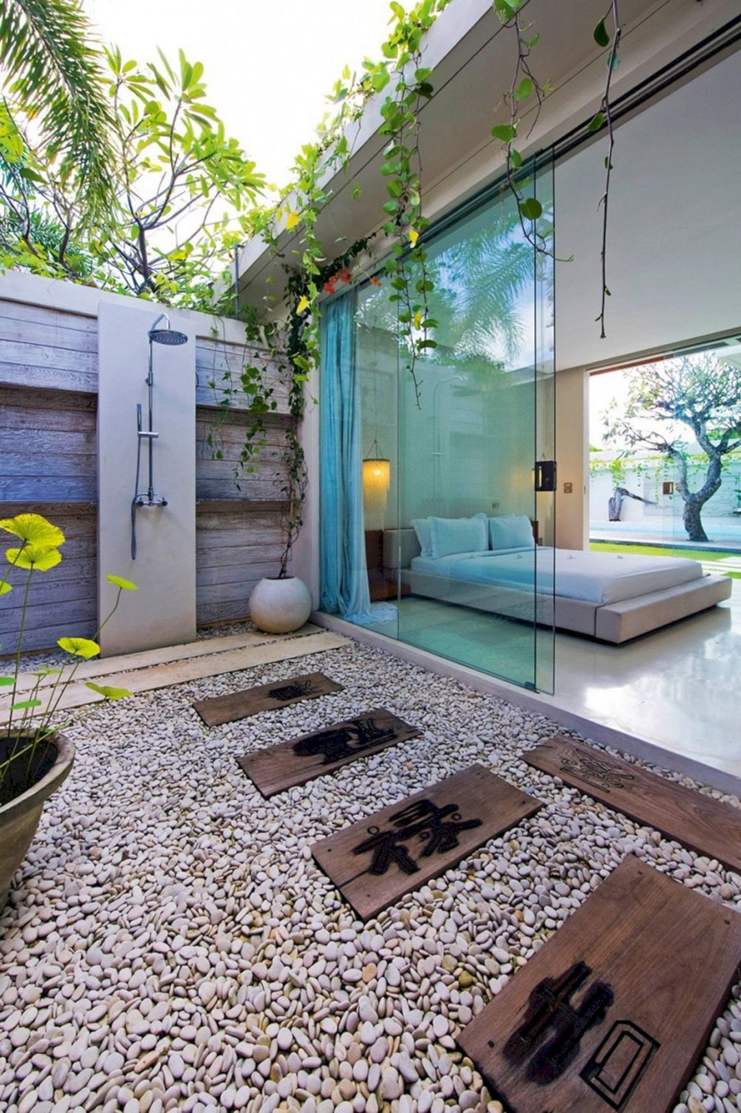 15 Fascinating Outdoor Shower Design Ideas For Bathing Feels In Paradise Outdoor Bathroom Design Outdoor Bedroom Outdoor Bathrooms