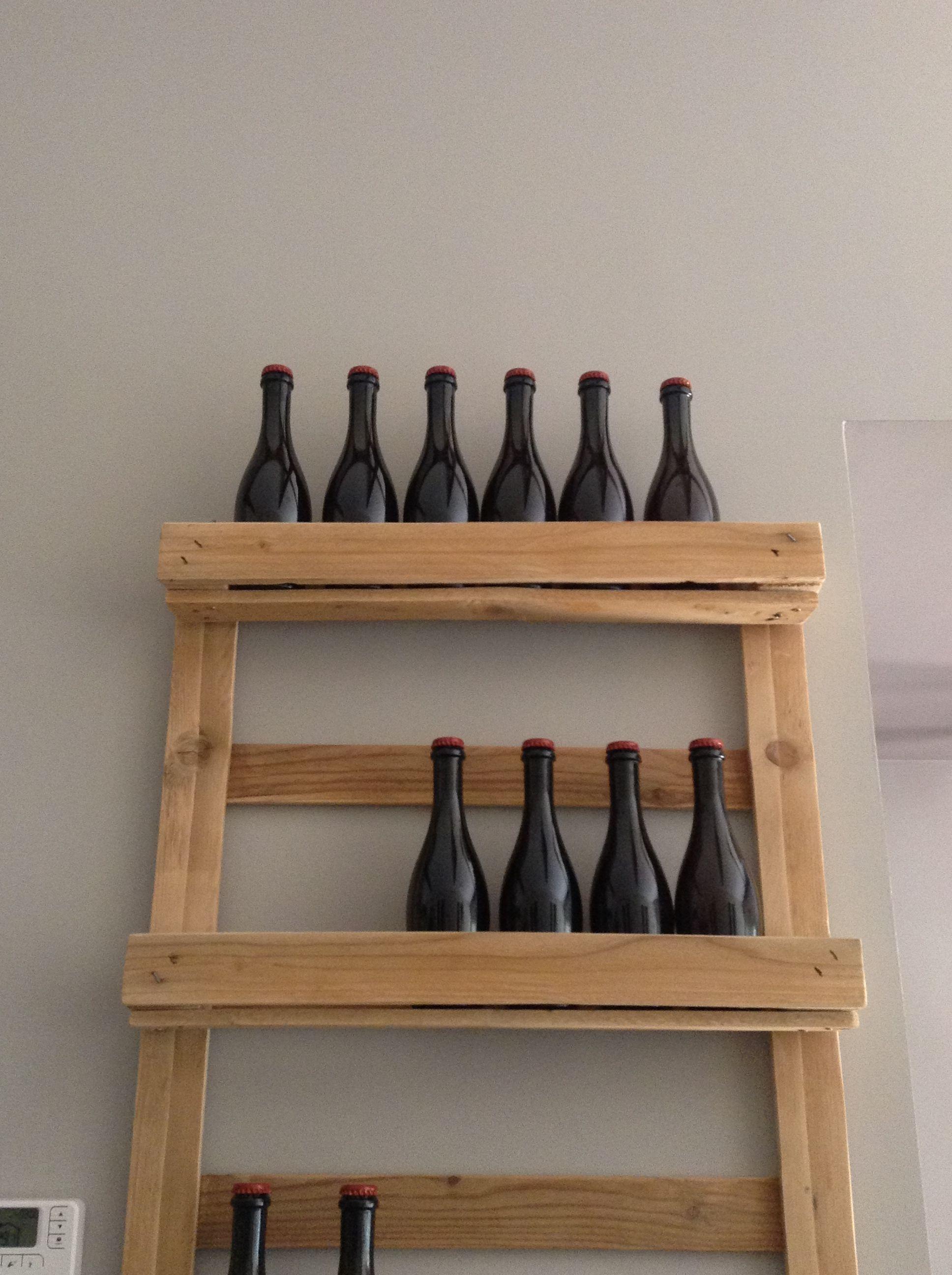 Porta bottiglie in legno riciclato riuso riciclo pallet