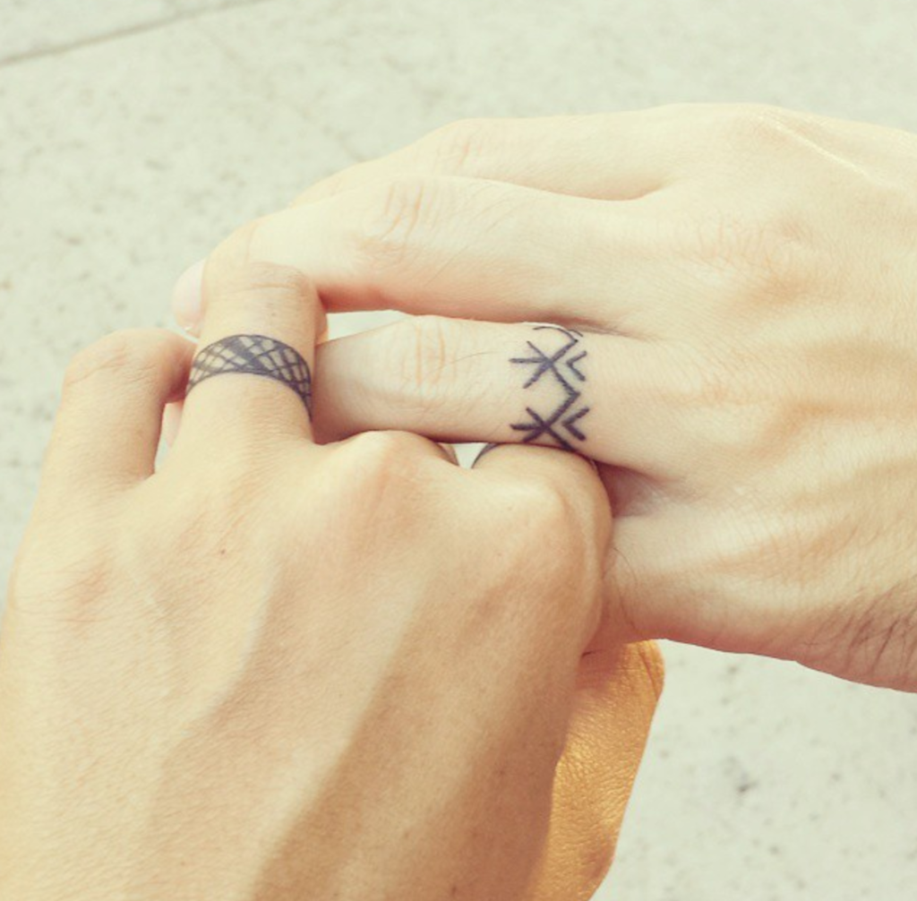Lineas Tatuajes De Compromiso Tatuaje De Anillos Tatuajes De