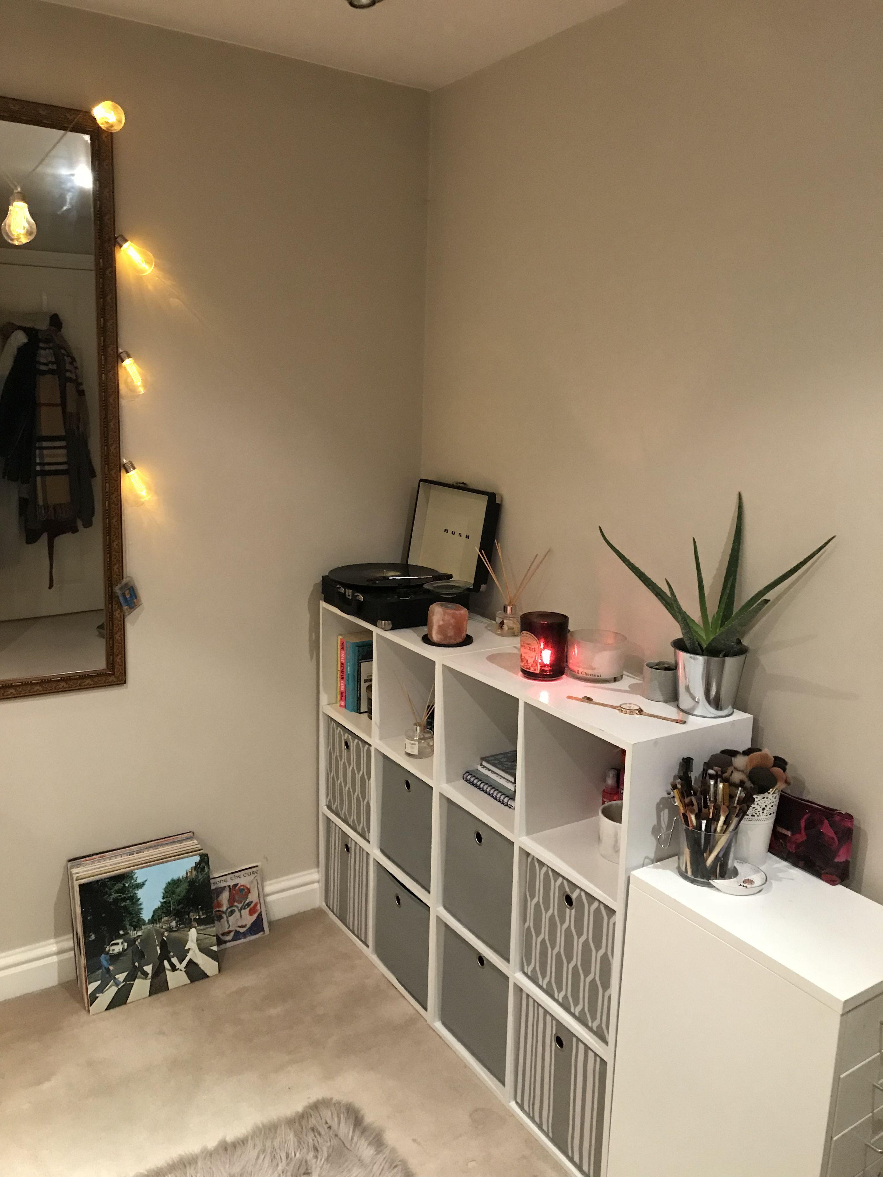 Bedroom Overhaul Record Player And Storage Units Diy Bedroom
