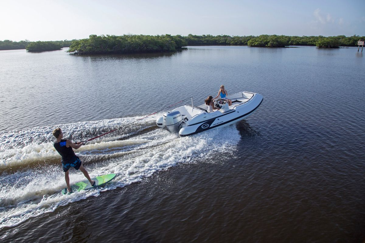 Walker Bay Generation 525  Boats            The Walker Bay Generation 525 mixes efficient performance with numerous amenities.       The Walker Bay Generation 525 mixes efficient performance with numerous amenities.  http://www.boatingmag.com/walker-bay-generation-525?dom=rss-default&src=syn