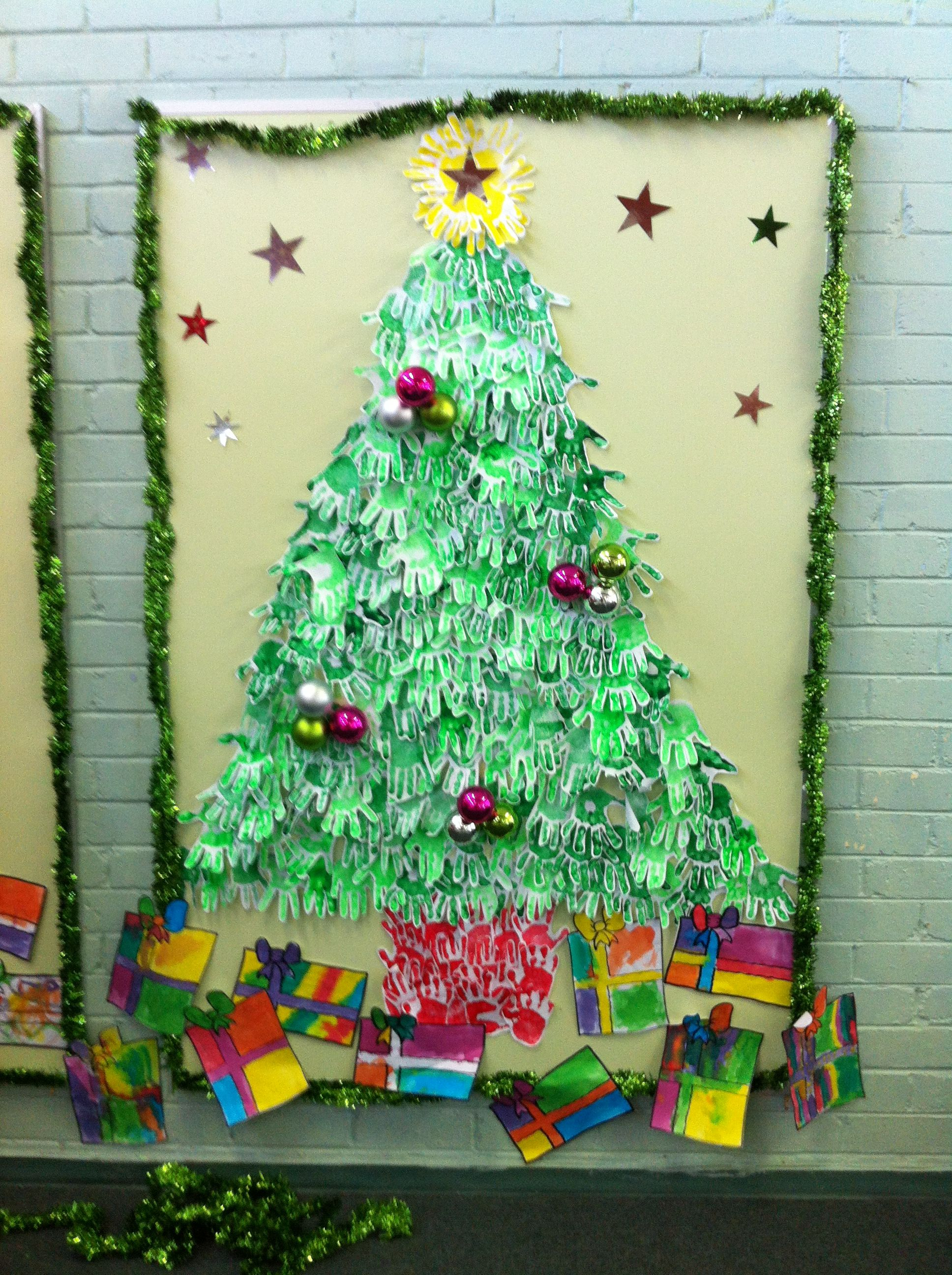 Handprint Christmas tree display .. (With images ...