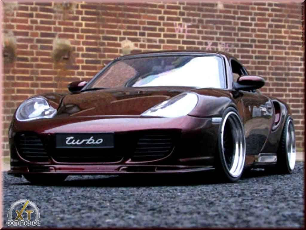 Porsche 996 Turbo cameleon paint et wheels 20 inches Autoart