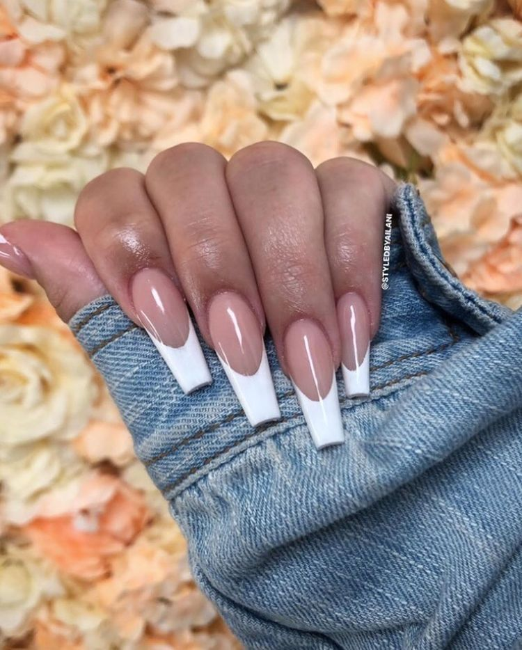 Classic French Tip In 2020 White Tip Acrylic Nails French Tip Acrylic Nails Long French Nails