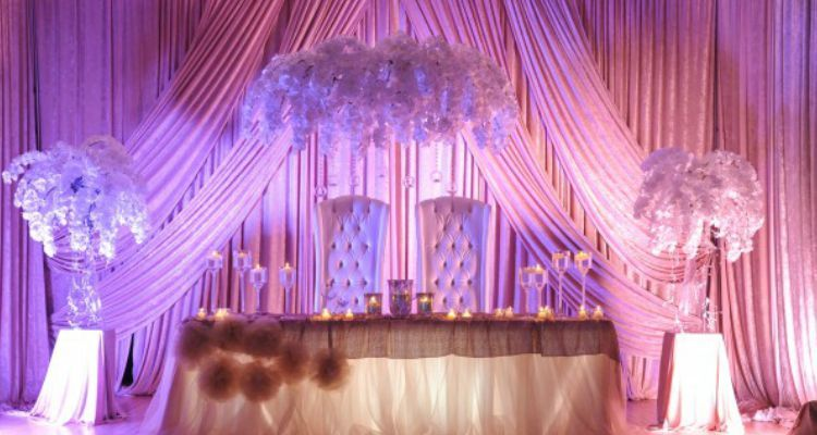 8 ways to make your Quinceanera head table stand out Head