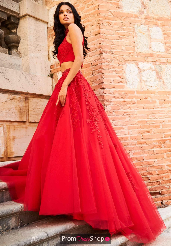 Pin von mahham fraz auf fashion | Pinterest | Traumkleider und Kleider