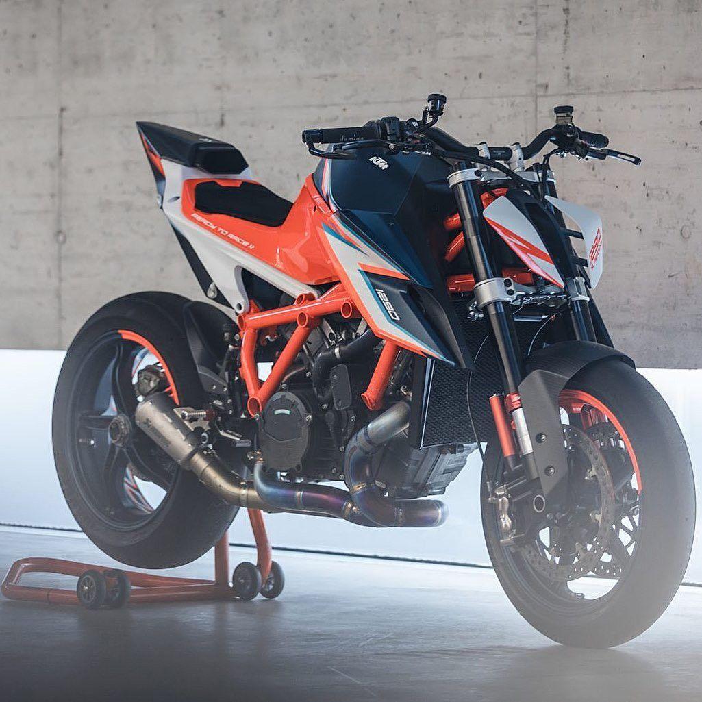 Moto Ktm Par Jeannot Voitures Et Motos Motos Voiture