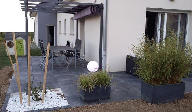 terrasse design dalles noires anthracite carrelage grès cerame 20mm