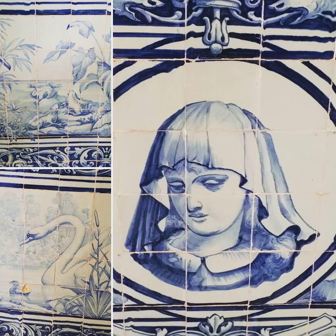 More tiles in Estoi palace. #estoi #Palacio #palace #tiles #azulejo #azul #tourism #tourist #vacaciones #vacation #holiday #hotel by debsahoy