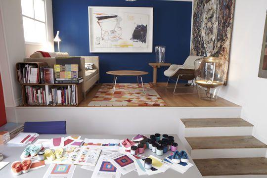 Du Bleu Roi Sur Un Mur Salon Peinture Salon Peinture Bleu Et