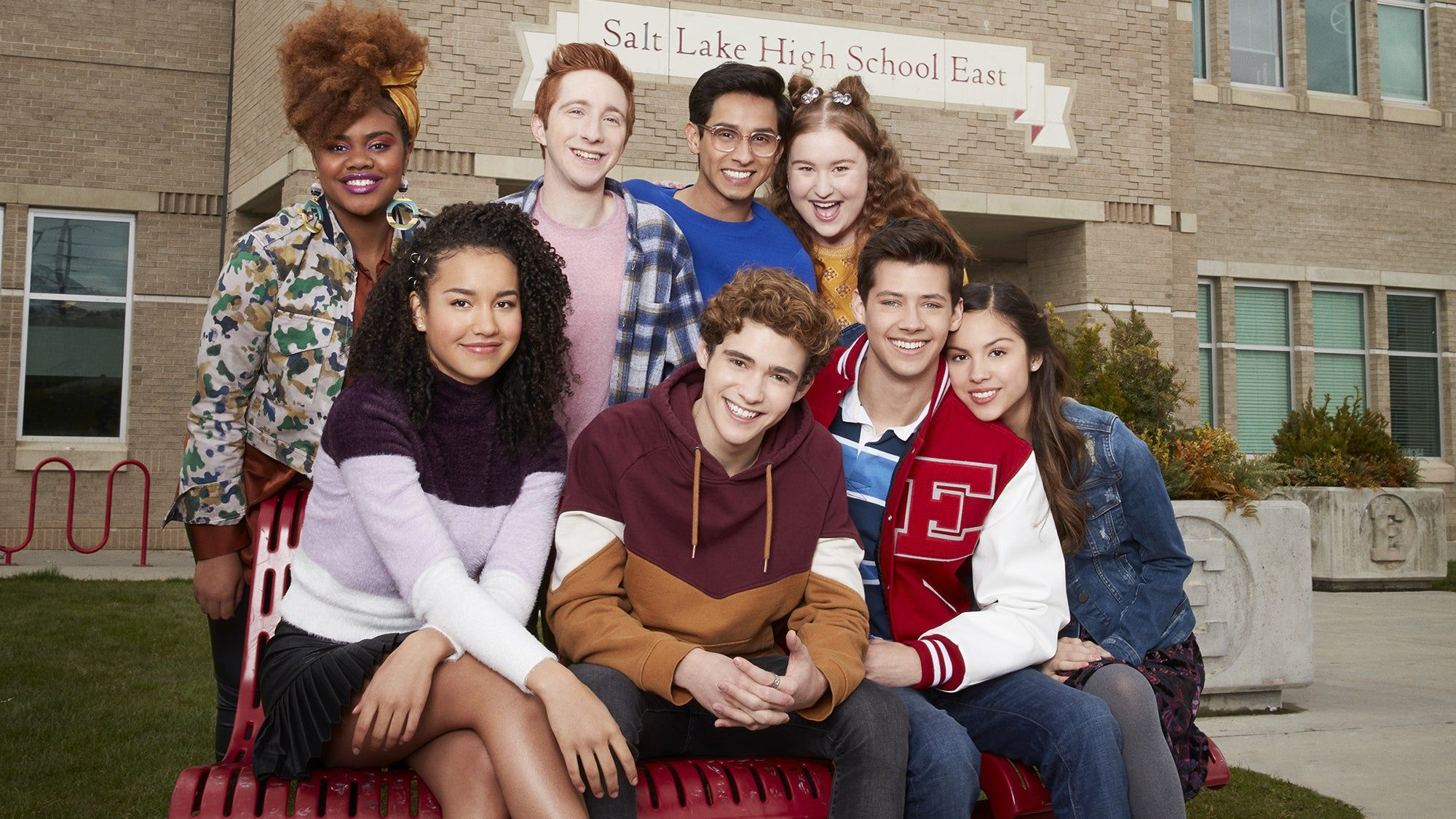 Who 8217 S The Troy Bolton Of The High School Musical The Musical The Series Cast Refinery29 Https W High School Musical Brooklyn And Bailey Disney Plus