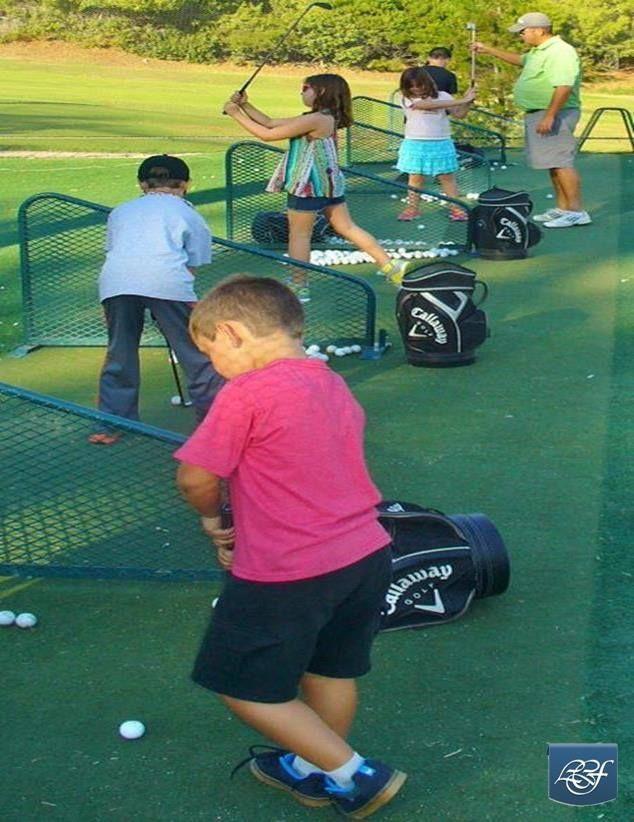 Junior golfers at LCFCC // La Canada Flintridge Country Club