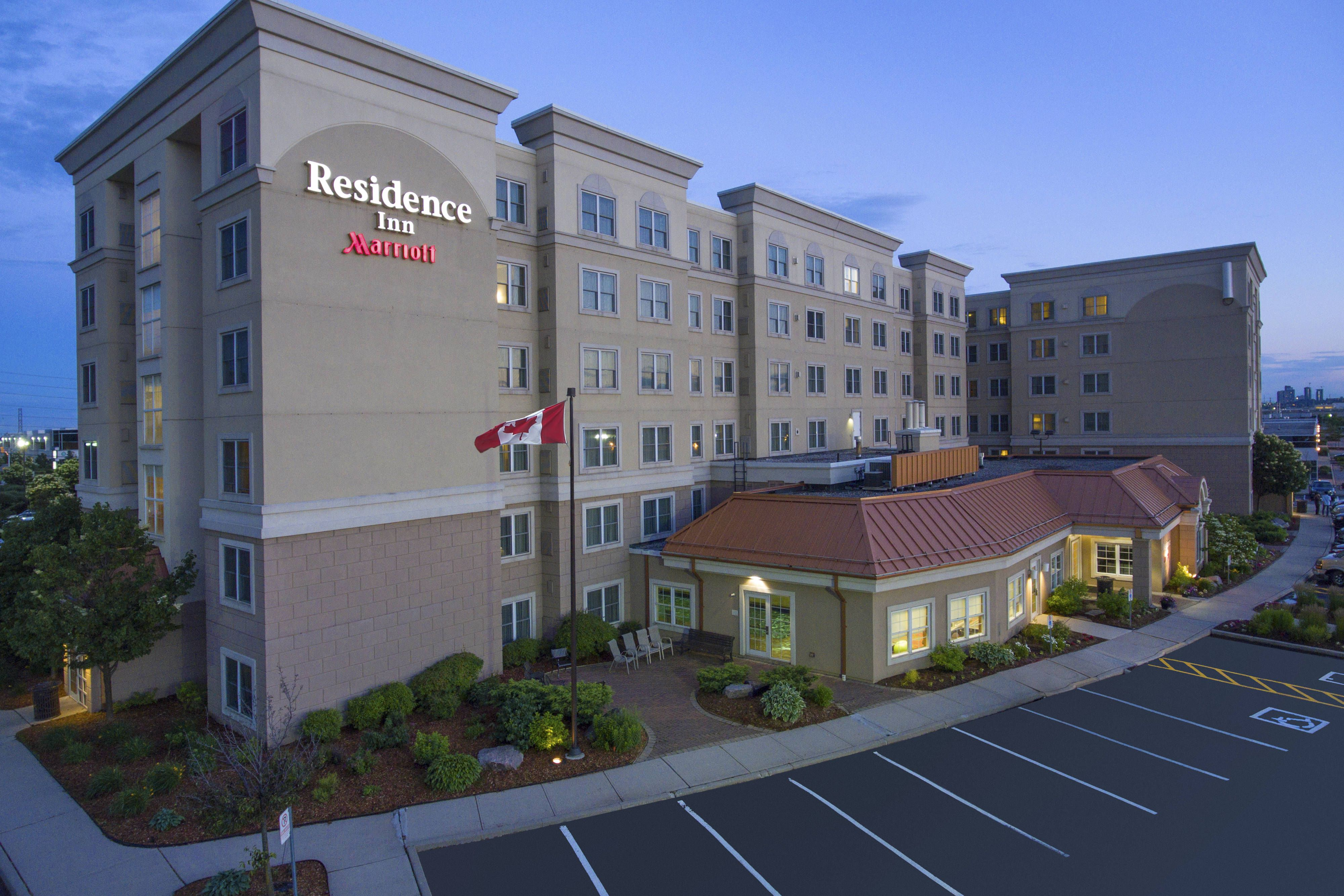 Residence Inn Mississauga Airport Corporate Centre West Exterior Comfort Holiday Memorable Vacation Hotel Vacation Books Residences