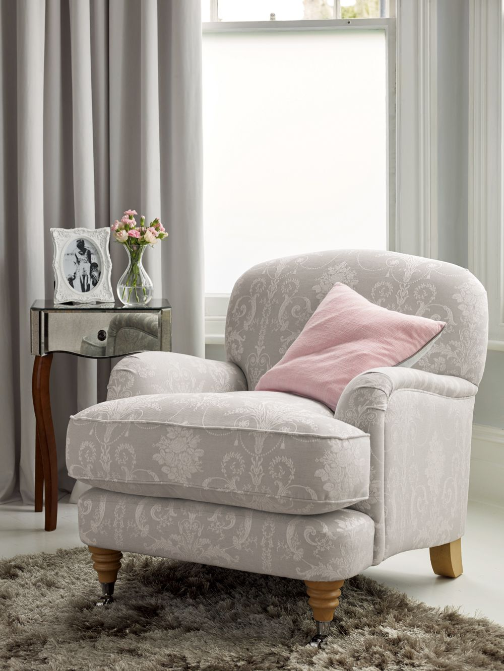 Laura Ashley Sofa Pink Laura Ashley Aw15 #interiors #silverserenity | Laura