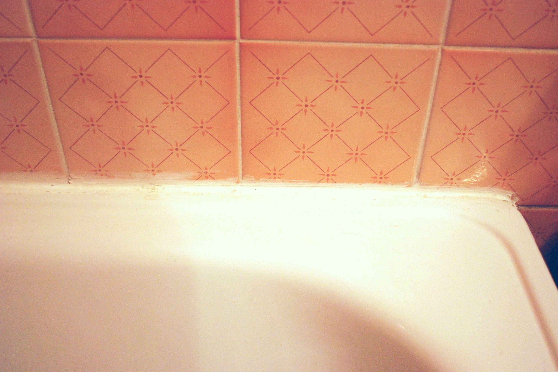 How To Paint Over Silicone Caulk Silicone Caulk Bathroom Caulk Caulk