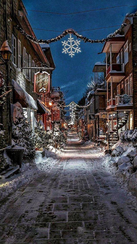 Christmas Canada QUEBEC Rue de Petit Champlin01