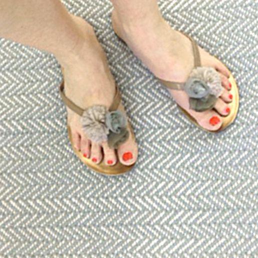 Shoes On Dash And Albert S Herringbone Ocean Woven Cotton Rug