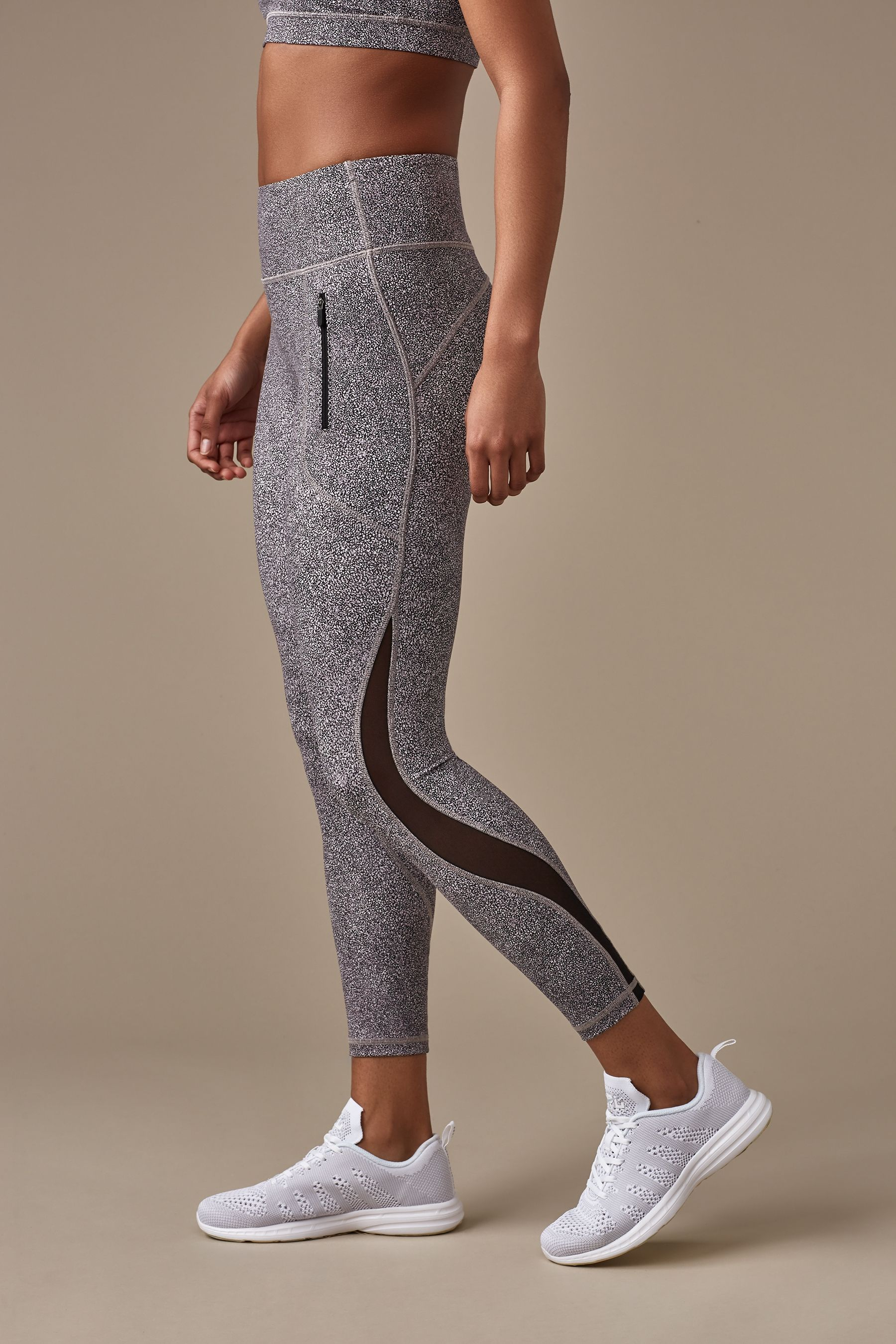 Fresh morning runs feel freer than ever when your tights