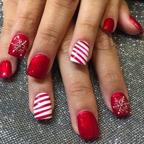 Diy christmas nail art 50 christmas nail designs you can do diy christmas nail art 50 christmas nail designs you can do yourself diy christmas nail salons and manicure solutioingenieria Image collections