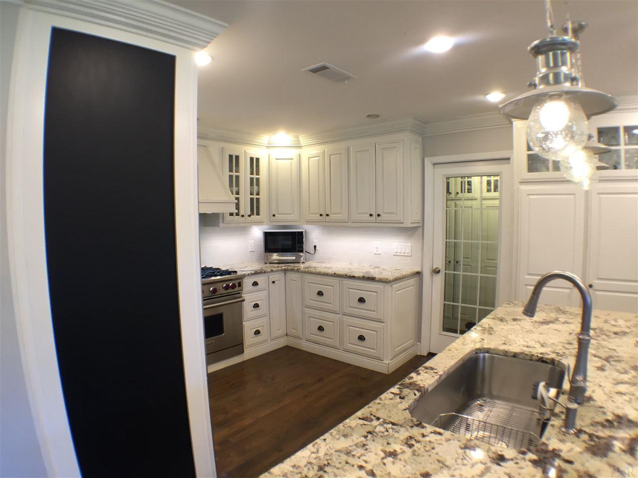 1875 E Bobe St Pensacola Fl 32503 For Sale Homes Com Home Pensacola Pensacola Fl