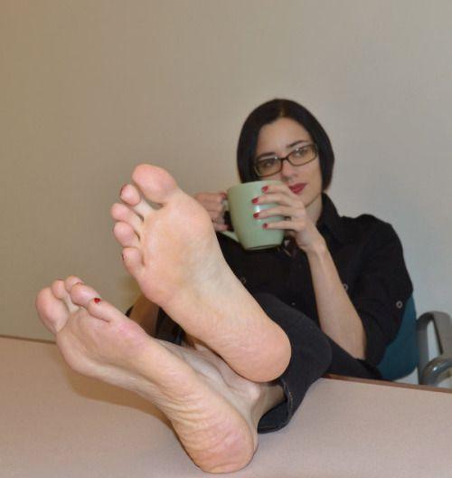 Mature woman foot worship