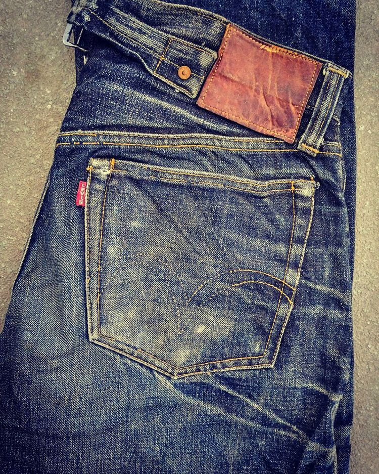 Brit Eatonさんはinstagramを利用しています 1930s Levis Buckleback Vintagedenim Oldestlevis Levis Vintage Clothing Vintage Denim Trainers Fashion