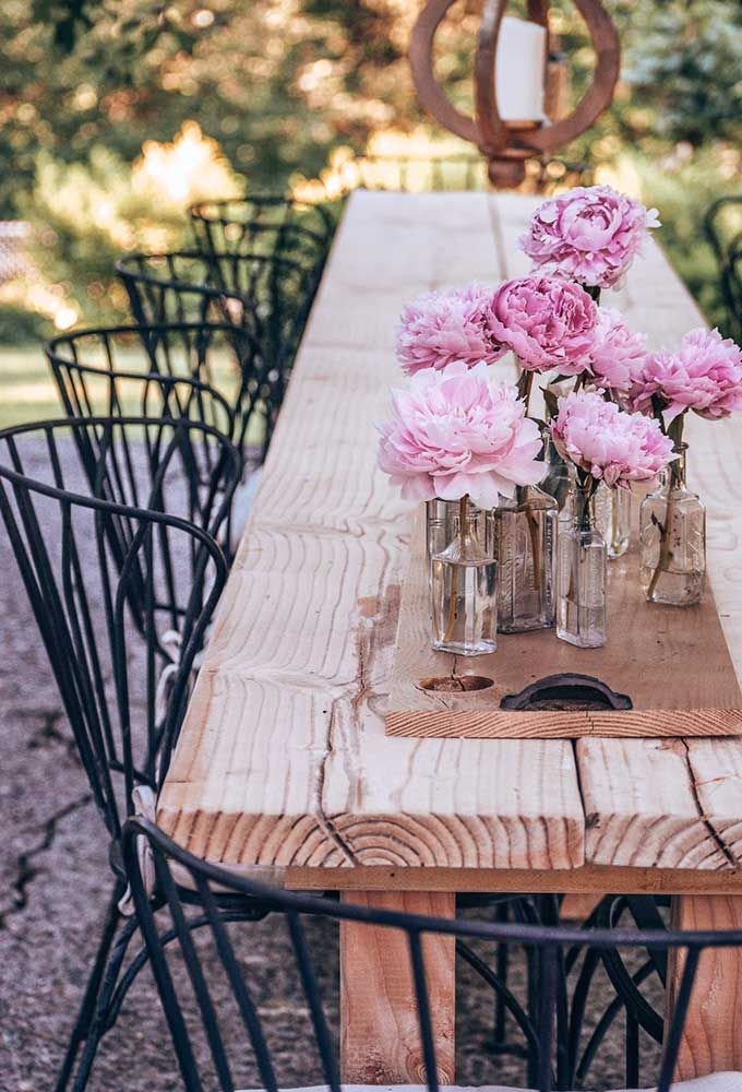 DIY Outdoor Farmhouse Table – Hallstrom Home