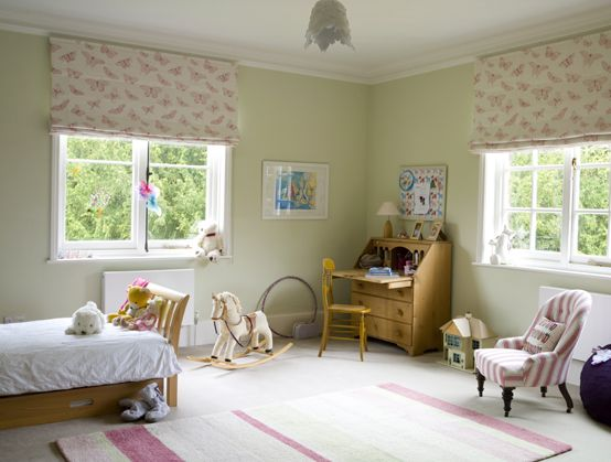 Delightful girl 39 s bedroom blind for Green ground farrow and ball