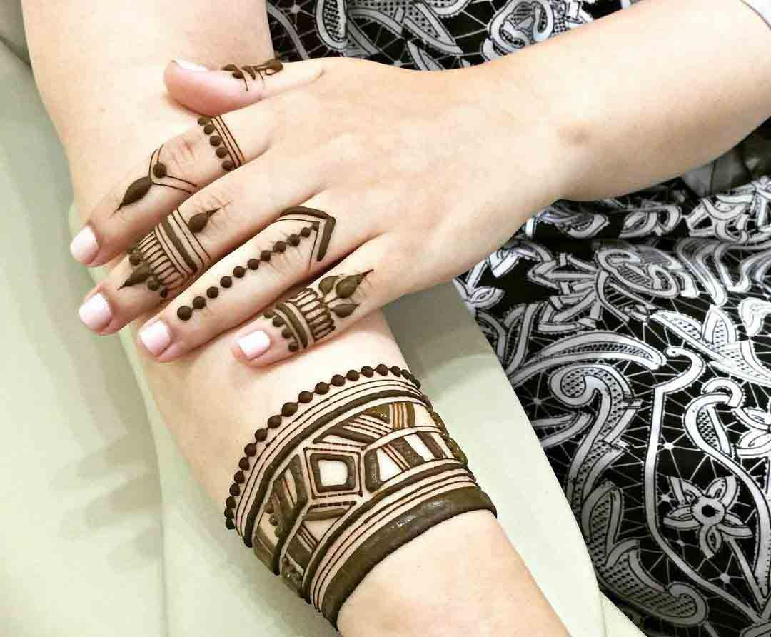 Fingers Mehndi Pics : Beautiful arabic finger mehndi designs henna