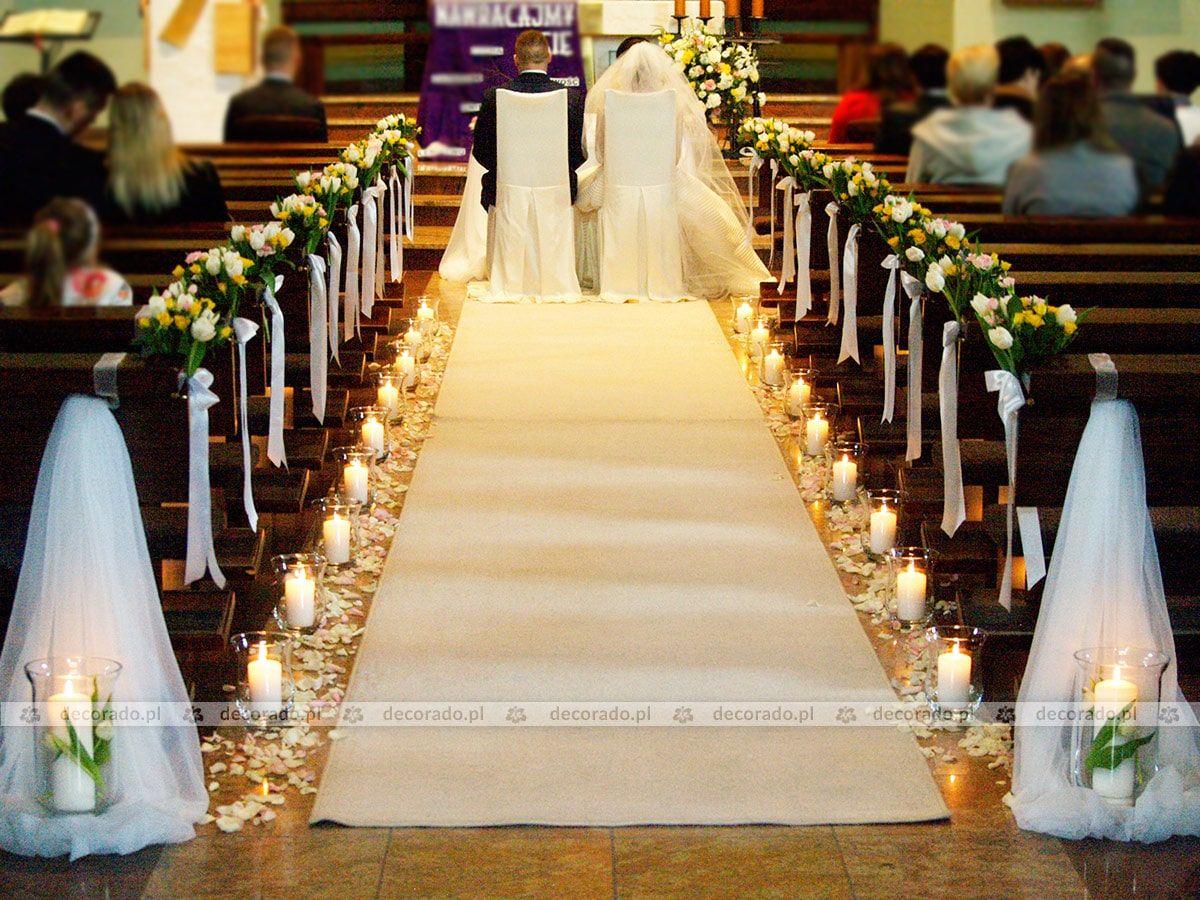 Wiosenne Kwiaty W Blasku Swiec Wystroj Kosciola W Suchym Lesie Wedding Church Decor Royal Wedding Guests Outfits Christian Wedding