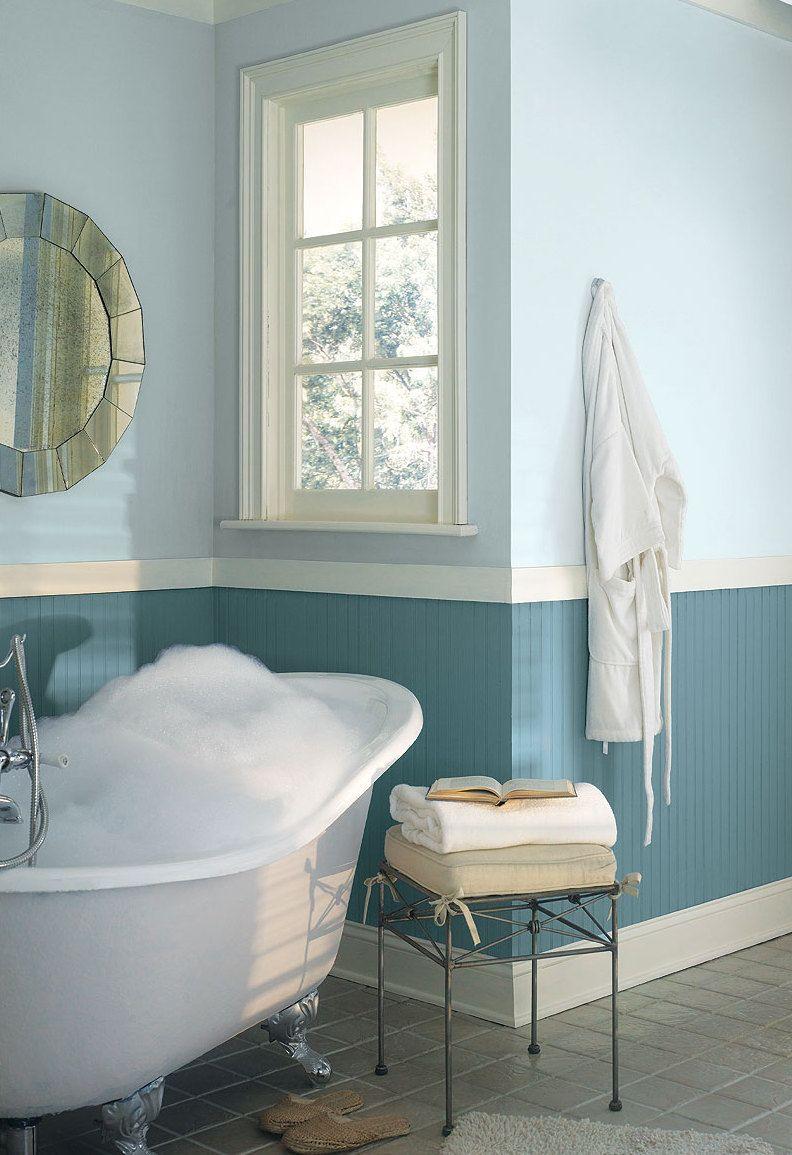 Wand Streichen In Farbpalette Der Wandfarbe Blau Badezimmer Streichen Badezimmer Farben Badezimmerfarben