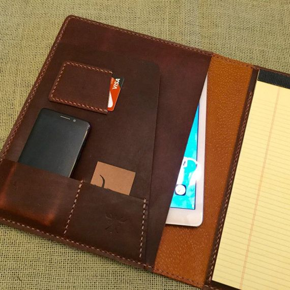 Personalized leather padfolio christmas gift by SLWatelier on Etsy - leather resume portfolio
