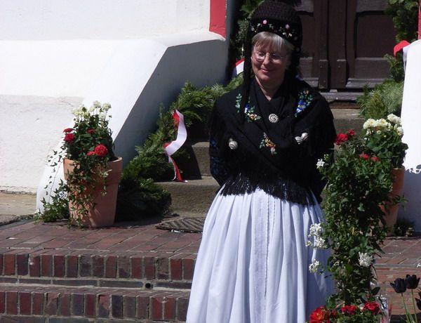 Traditionelle nordfriesische Tracht #Foehr