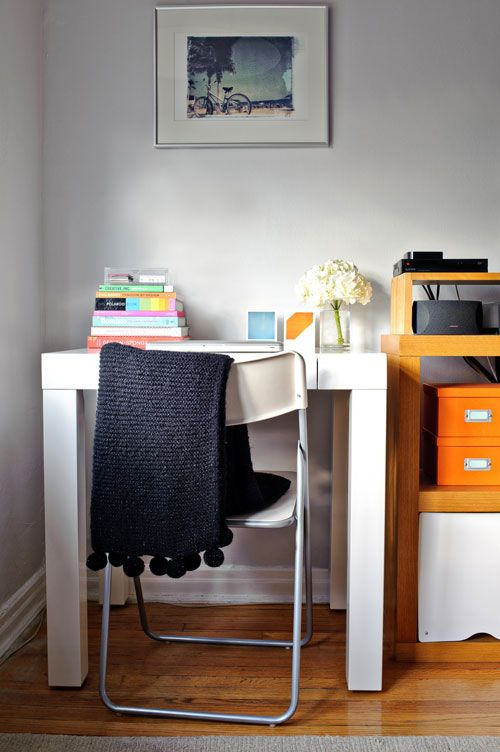 Mini Desk By West Elm Desks For Small Spaces Parsons Desk Home