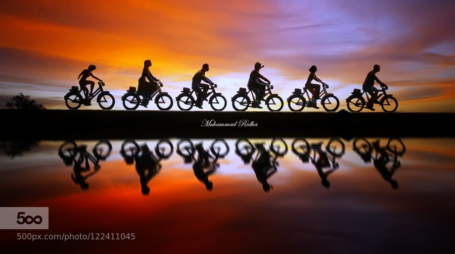 Gooo...gooo... - Pinned by Mak Khalaf Fine Art beachsilhouettesunsettoys by MuhammadRidhaMochtar
