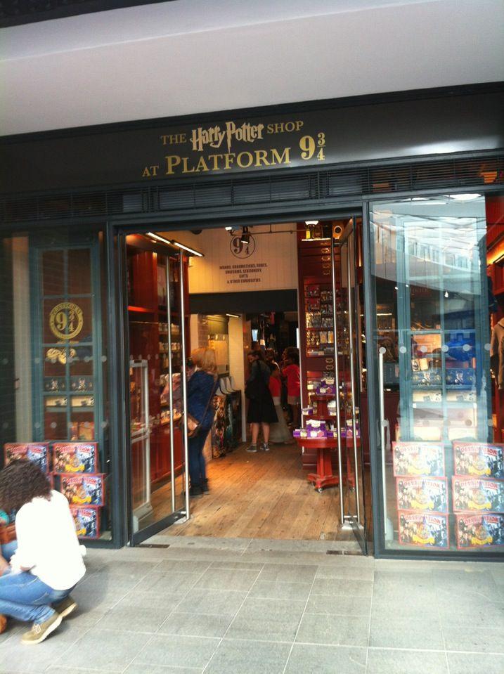 The Harry Potter Shop At Platform 9 3 4 Harry Potter Shop Harry Potter Potter
