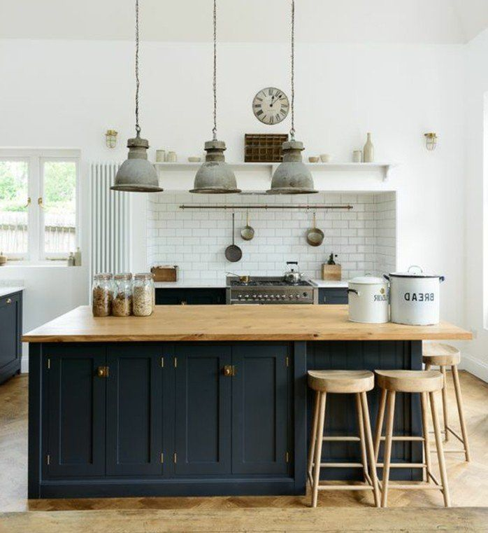 La cuisine aménagée noire  un choix déco envoûtant Rustic wood