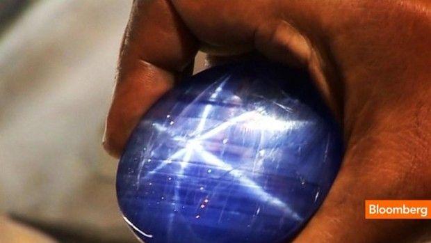 Sparkling 1 395 Carat Star Sapphire Worth 3m Video Blue Star Sapphire Blue Sapphire Jewelry Star Sapphire