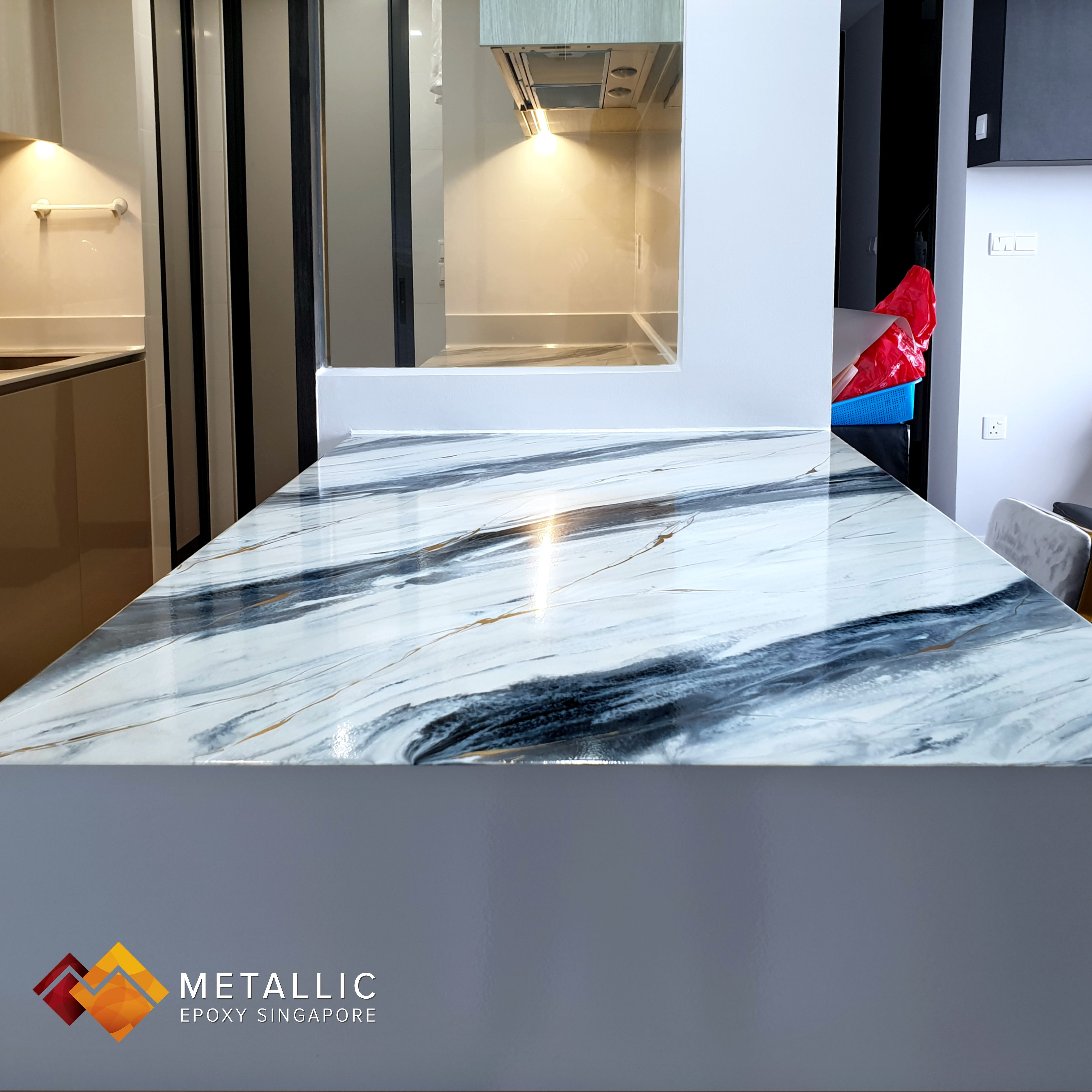 Black And Silver Highlight With Gold Veins On A Light Grey Base Is An Extremely Popular Choice Among Sin Countertop Design Marble Countertops Epoxy Countertop