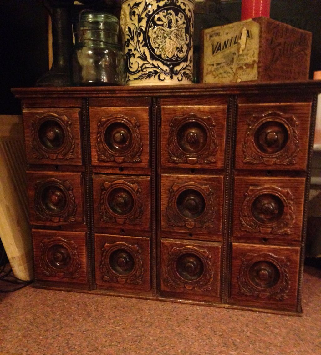 We Just Made This Awesome Apothecary Chest Out Of Old Sewing Machine Drawers It S Great Looking A Sewing Machine Drawers Old Sewing Machines Quilt Sewing Room [ 1136 x 1026 Pixel ]