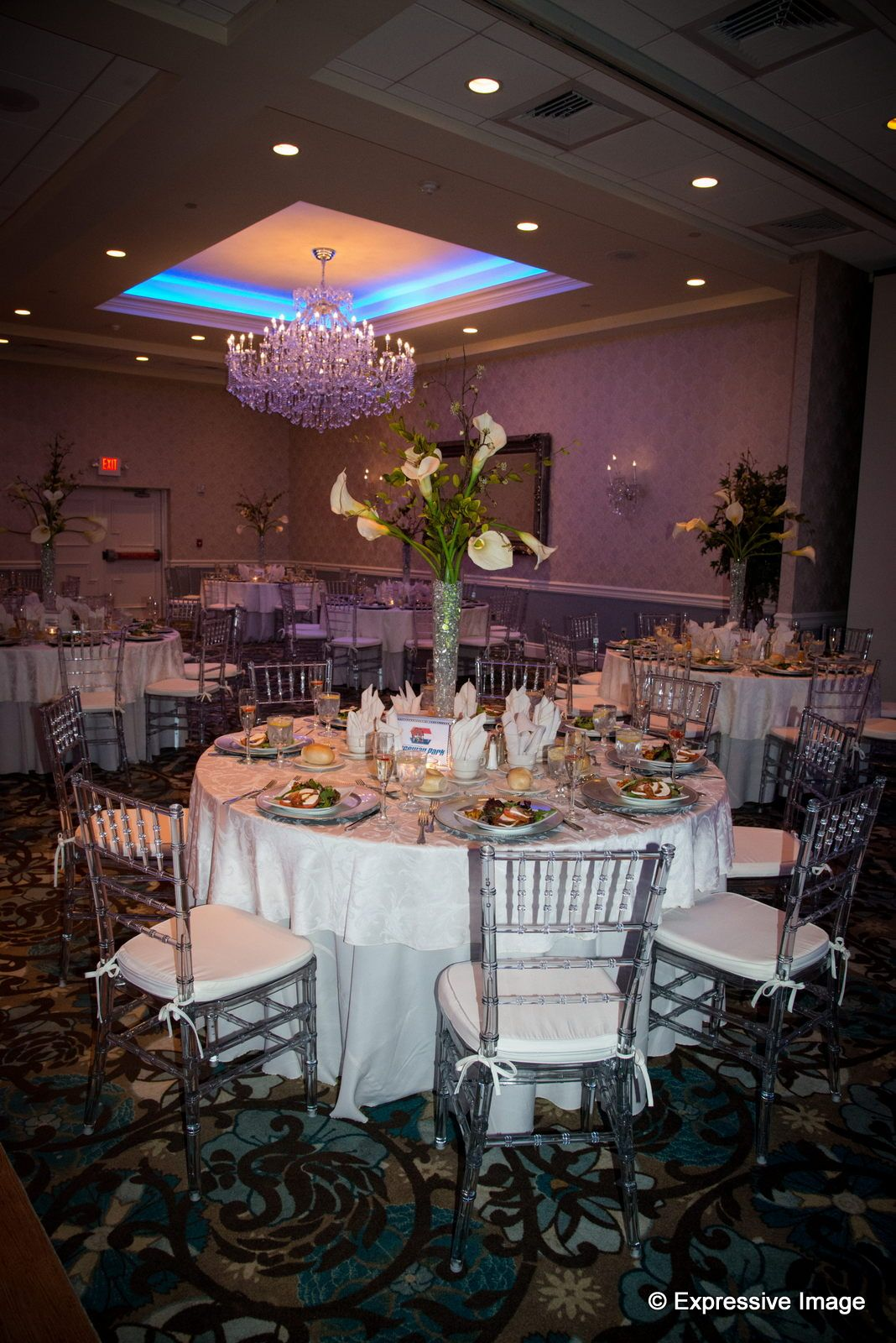 Crystal Ballroom In Freehold Nj Is The Ideal Location For You To Host Your New Jersey Wedding Mitzvah Or Business Meeting