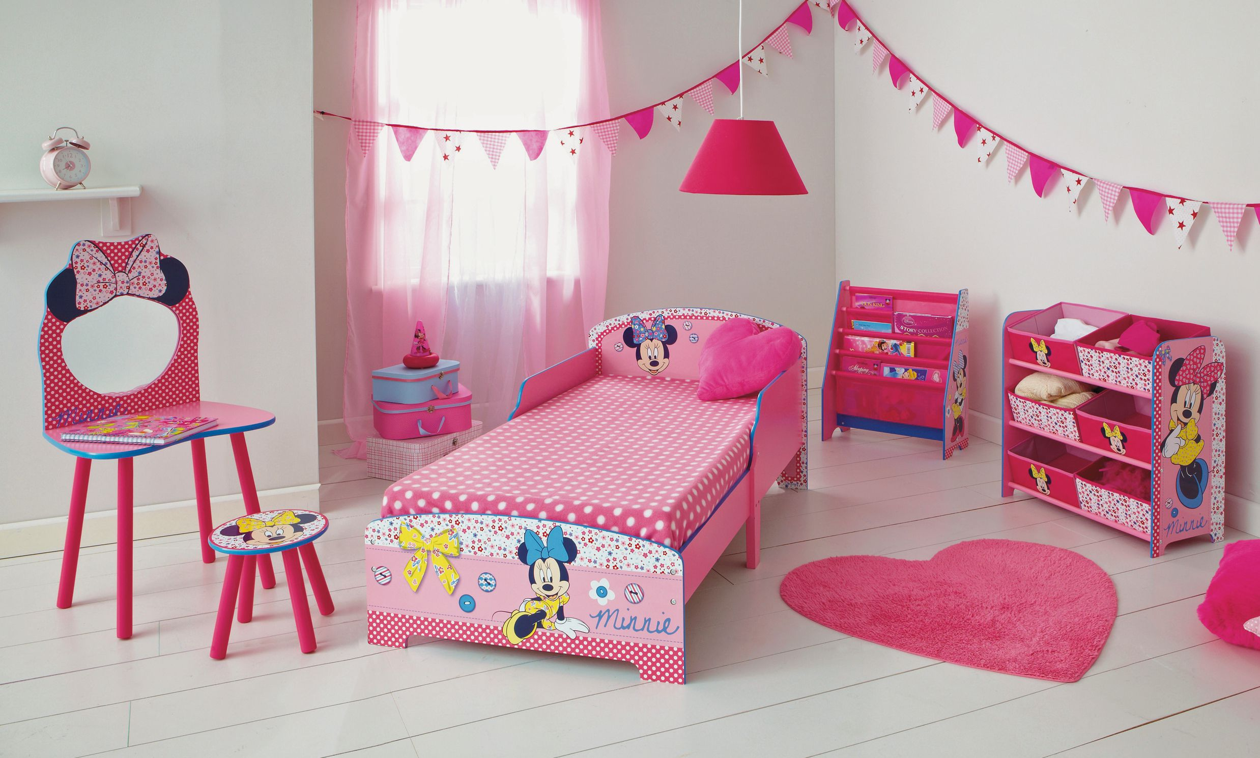 Minnie mouse theme bedroom | Room Ideas for London | Pinterest ...