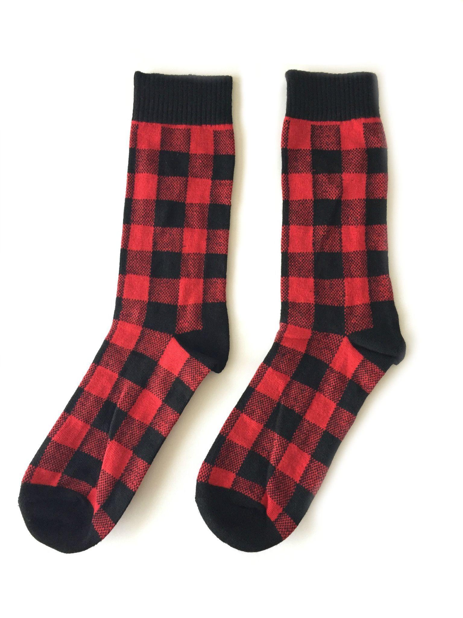 Men S And Women S Buffalo Plaid Socks Women S Buffalo Plaid Red And Black Outfits Plaid
