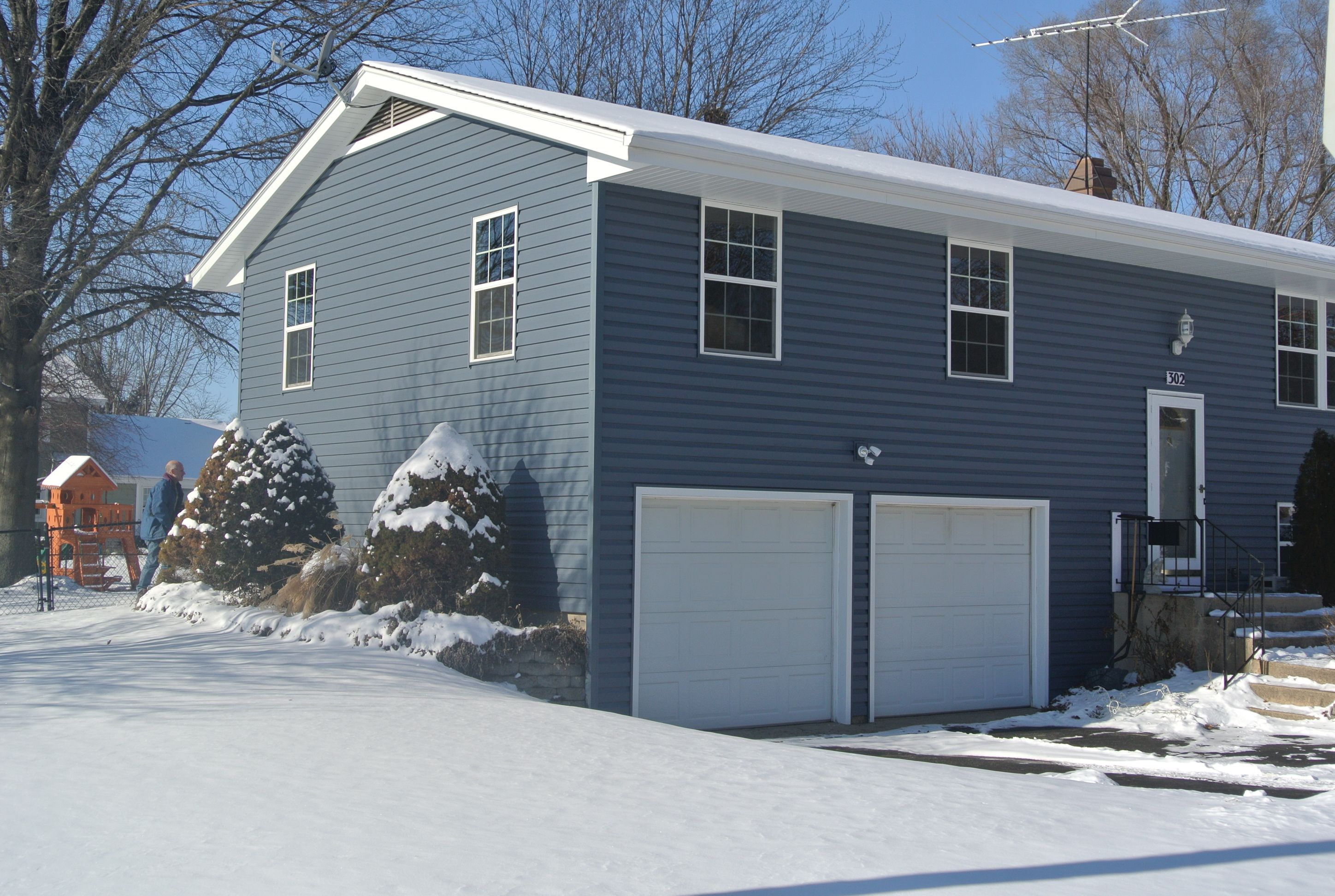 Pacific Blue Vinyl Siding By Certainteed This One Is Dutch Lap