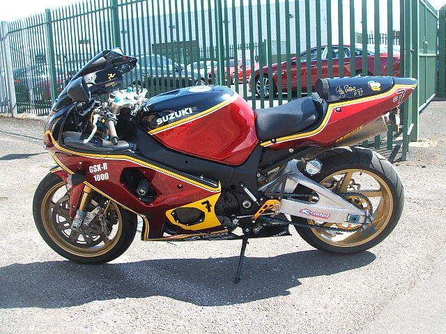 Harris Suzuki Gsxr1000k1 Signed Barry Sheene Replica See Photos Moto Piste Moto Piste De Danse