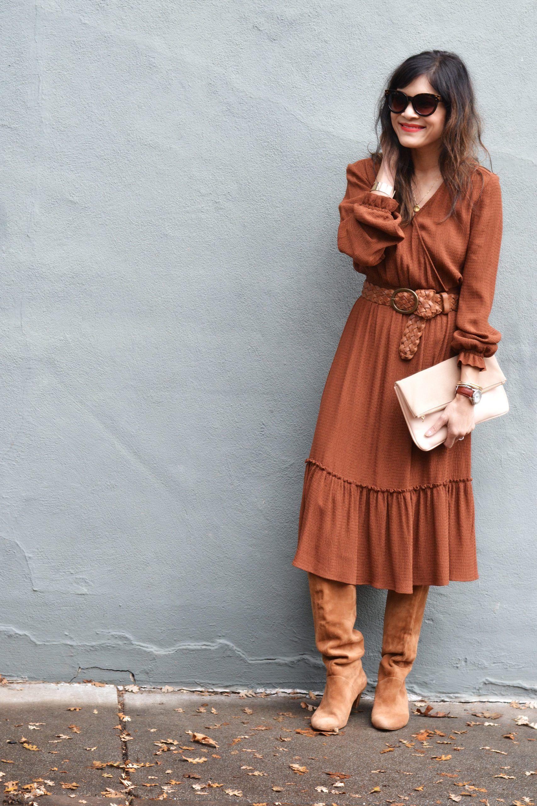 Midi Dress French Girl Style Gamine Stripes French Girl Style Midi Outfits Midi Dress [ 2560 x 1707 Pixel ]
