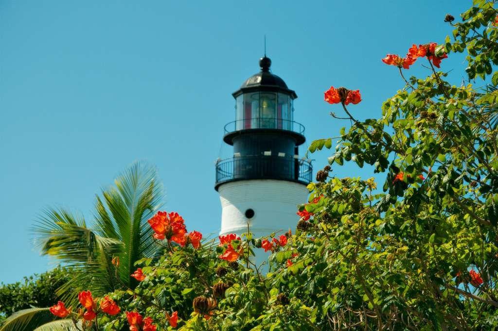 El faro de Key West, a escasos metros de la casa de Hemingway y con una historia y unas vistas impresionantes. Imprescindible.