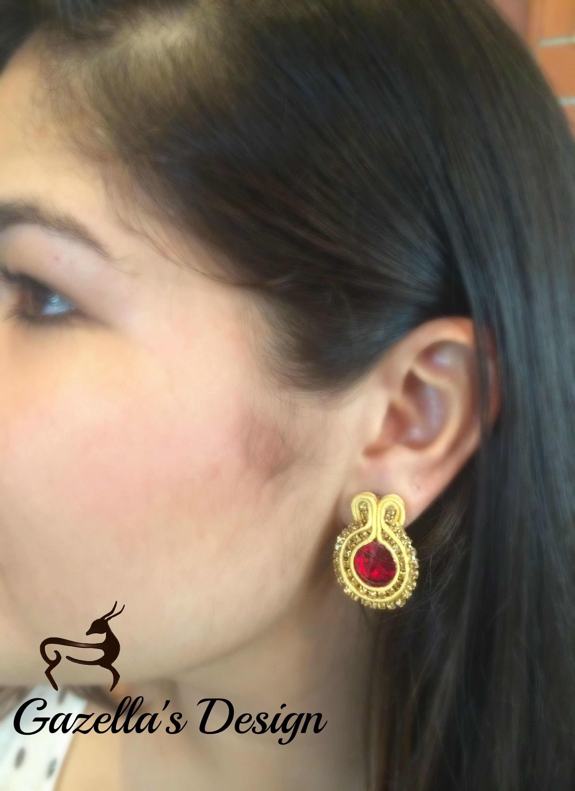 Red Glam.... Purchase info gazellasdesign@gmail.com or or visit www.poshmark.com/closet/gazellasdesign #soutache #earrings #elegantearrings #elegance #fashionpolis #texasfashion #madeforyou #handmade #handmadeset #accesoriesshop #custommade #jewelry #texas #houstongram #getyours #trendingnow #jewelryset #onlineshopping #onlinestore #shophouston @gazellasdesign