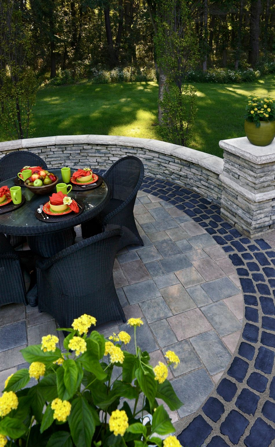 richcliff with courtstone accent by unilock masonry supplies